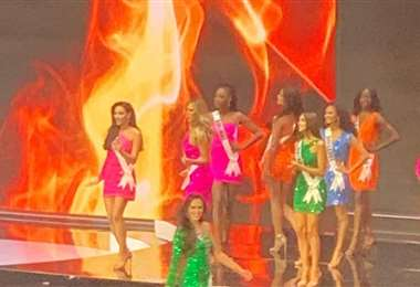 Algunas candidatas en el escenario