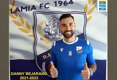 La foto que publicó el club Lamia para anunciar la renovación de Danny Bejarano