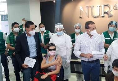 El Gobernador Camacho acudió a la NUR para el inicio de la vacunación a personas de 50 año