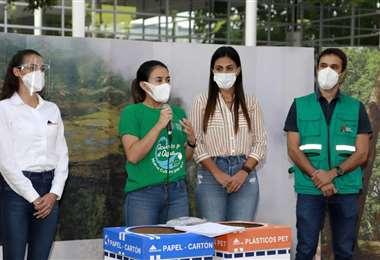 Impulsores de campaña recolección de material para reciclar. Foto. Prensa Gobernación