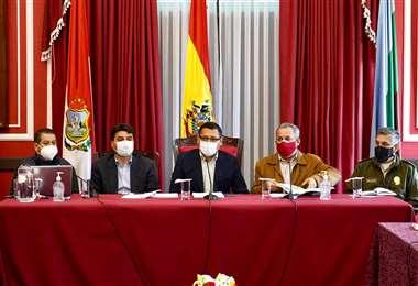 Autoridades de la Alcaldía y de la Gobernación de Tarija se reunieron