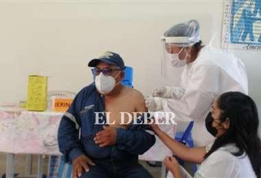 Hay 29 centros de vacunación; conozca la lista. Foto: Juan Carlos Torrejón