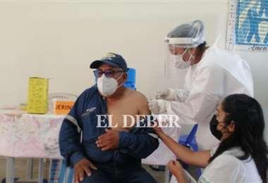 Santa Cruz avanza a un buen ritmo de vacunación. Foto: JC Torrejón