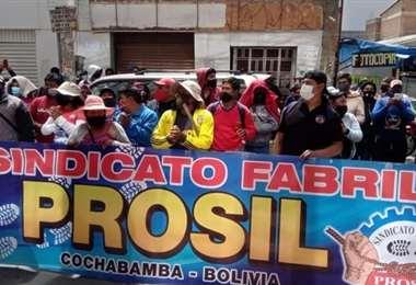 Los obreros se harán cargo de dos empresas cochabambinas (Foto: Internet)