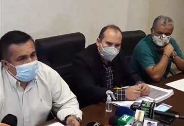 Blanco (izq.), Moreno (c.) y Etcheverry durante la rueda de prensa. Foto: Internet