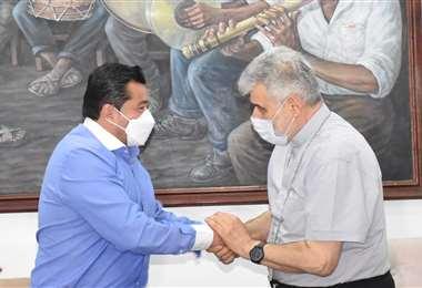 Jonny Fernández y el monseñor Sergio Gualberti tuvieron una reunión hoy