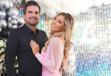 El empresario y la ex reina de belleza se unirán en matrimonio en diciembre