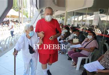 Hay 29 centros habilitados para inmunizarse. Fotos: Juan C. Torrejón