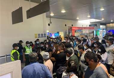 Viajeros protestaron en la zona de embarque de Viru Viru/Juan Carlos Núñez