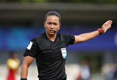 Edina Alves dirigirá el próximo jueves un partido de Copa Libertadores. Foto: internet