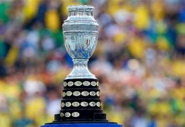 El tradicional trofeo de la  Copa América. Foto: internet