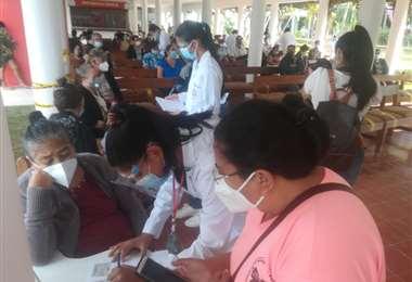 Punto de vacunación en la UEB/Foto: Juan Delgadillo