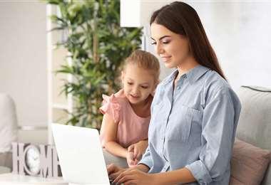 Muchas mujeres deciden tomar las riendas de su vida profesional sin dejar de ser madres