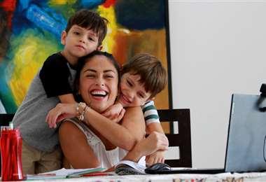 Fabiola Pérez dedica sus horas junto a Federico y Santiago. Foto: Ricardo Montero