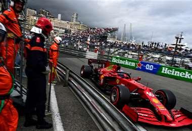 Leclerc (Ferrari) logró este sábado la pole position en casa. Foto:  AFP