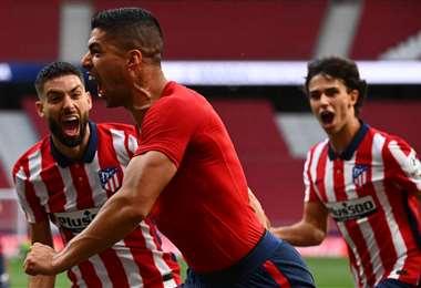 Luis Suárez celebra su gol ante Valladolid. Foto: AFP