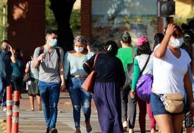 La población se expone constantemente al virus en las calles