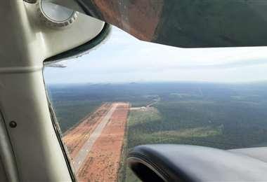 El antiguo aeropuerto es un peligro por las antenas y los asentamientos
