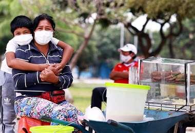 Viviana Margot Lunario, vendedora de asaditos/Foto: Ricardo Montero