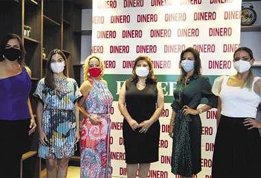 Mujeres. Un grupo de seis ejecutivas Foto: Ricardo Montero