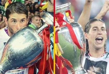 Ramos publicó estas dos fotos con las copas continentales que ganó en 2008 y 2012
