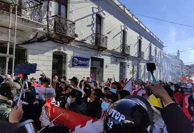 Protesta en el día de aniversario de Chuquisaca/Foto: William Zolá