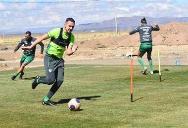 Luis Haquín entrenó hoy en Huarina con la selección. Foto: FBF