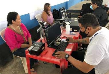Cien madres se beneficiaron con la carnetización gratuita en Palmasola