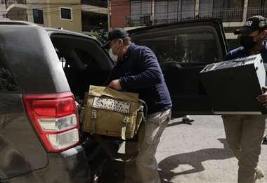 La Policía recolectó pruebas tras los allanamiento en Cochabamba. Foto: APG Noticias