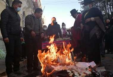 Adhemar Wilcarani, alcalde de Oruro, en la celebración de la wajta/Foto: Emilio Castillo