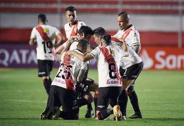 Always Ready lidera el grupo B con Inter de Porto Alegre. Foto: AR