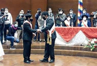 Damián Condori es posesionado como Gobernador de Chuquisaca