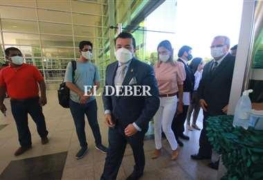 El alcalde estuvo presente en la posesión del gobernador. Foto: Jorge Gutiérrez