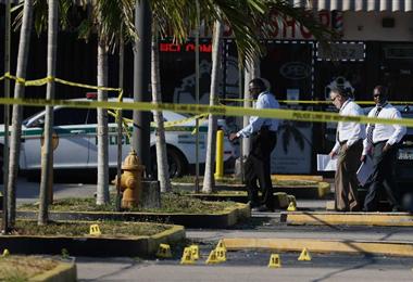 Lugar donde tres hombres armados mataron a 2 personas y dejaron una veintena de heridos