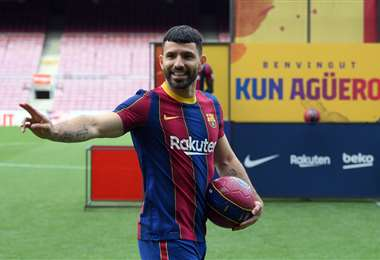 Barcelona presentó este lunes a Agüero como su nuevo fichaje. Foto: AFP