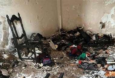 Foto Fiscalía: el incendio consumió dos habitaciones de la vivienda del gobernador.