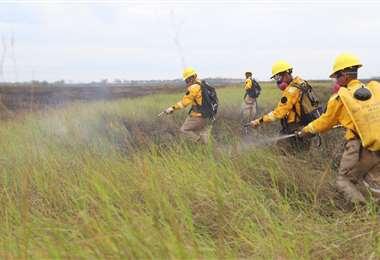 Trabajo de emergencia en el Parque Nacional de Otuquis. Foto: Gobernación de Santa Cruz