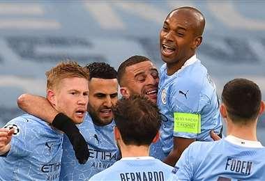 Los jugadores del Manchester City celebran la clasificación a la final. Foto: AFP