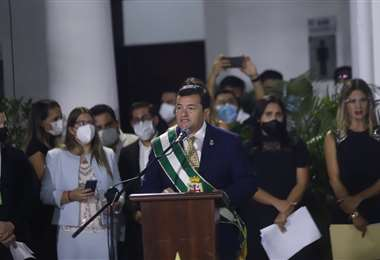 Jhonny Fernández durante el acto de firma de los decretos