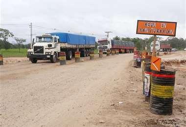 Transportistas reclaman por mal estado de la carretera. Foto: Soledad Prado