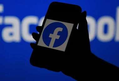 Facebook eliminó 1.656 cuentas falsas. Foto. Internet