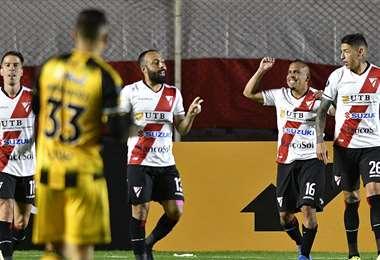 Ovejero anotó el primer gol del partido. Foto: AFP