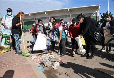 Este sábado limpiaron el nuevo mercado minorista Los Pozos