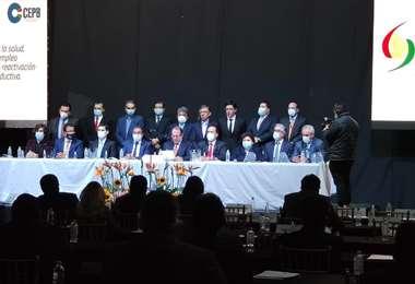 Los empresarios se reunieron el jueves en La Paz