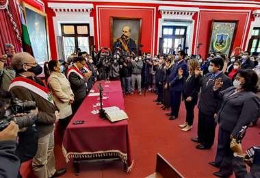 Posesión del gabinete de Oscar Montes, gobernador de Tarija