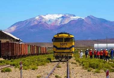 El tren llegó a Oruro en la madrugada de este domingo