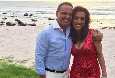 La restringida entrevista fue a la orilla del mar en Punta Mita (México)