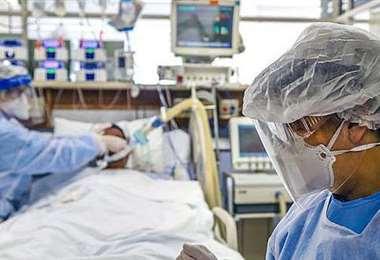 Perú  tiene la mayor tasa de mortalidad por covid-19 en el mundo