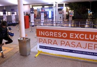 Controles en el aeropuerto de Ezeiza. Foto Infobae