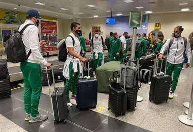 La selección en el aeropuerto de Goiania. Foto: FBF